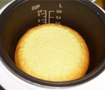 【电饭煲蛋糕】电饭煲做蛋糕的方法_电饭锅蛋糕的制作方法