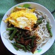 【扁豆炒鸡蛋】扁豆炒鸡蛋的功效与作用_扁豆炒鸡蛋怎么消除毒素