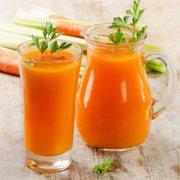 【胡萝卜汁什么时候喝最好】胡萝卜汁可以加蜂蜜吗_胡萝卜汁的营养价