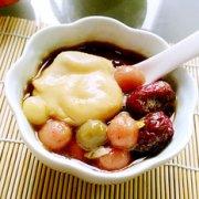 双红荷包蛋煮彩色汤圆的做法