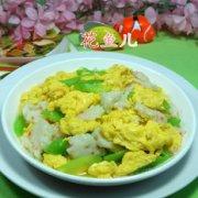 莴笋虾味球炒鸡蛋的做法