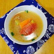 番茄鱼尾汤的做法