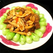 【青椒炒鸡腿菇】炒鸡腿菇的做法_清炒鸡腿菇的做法