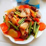香辣土豆蒜苔炒肉的做法