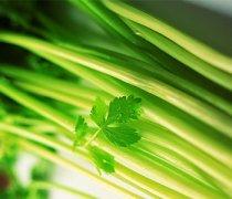 【香菜根的功效】香菜根煮水的功效_香菜根的做法