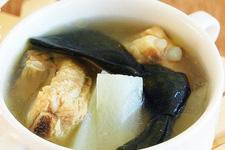 白萝卜海带排骨汤做法