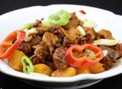 春节年夜饭菜谱:土豆炖鸡块