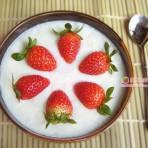 牛奶果粒炖蛋