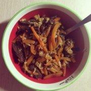 胡萝卜牛肉干焖饭的做法