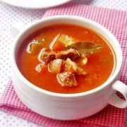 【洋葱胡萝卜汤】洋葱胡萝卜汤的做法_洋葱胡萝卜汤怎样做好吃