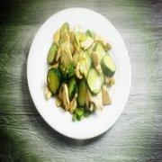 黄瓜炒鸡胸肉的做法