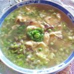 鸡蛋草菇豌豆汤的做法