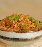 青椒肉丝蛋炒饭的做法视频
