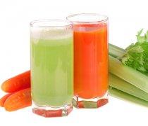 【胡萝卜和什么榨汁好喝】胡萝卜榨汁有营养吗_胡萝卜榨汁怎么做