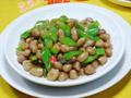 尖椒炒花生米的做法