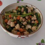 豌豆胡萝卜炒肉的做法
