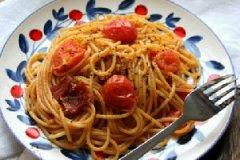 培根番茄炒意面的家常做法