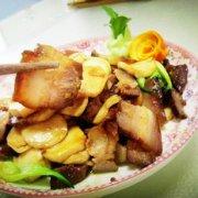 杏鲍菇炒腊肉的做法