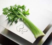 【芹菜的功效】芹菜的营养价值_芹菜的食用禁忌