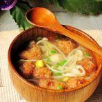 金针豆芽圆子汤的做法