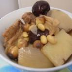 排骨山药莲豆汤
