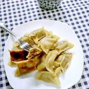 工字白菜肉煎饺的做法