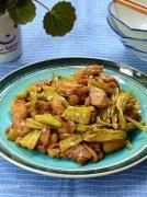 黑椒秋葵炒鸡肉