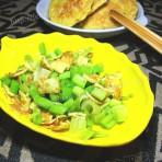 蛋皮拌芹菜