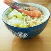 白菜鲜虾面的做法