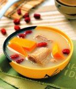【胡萝卜玉米排骨汤】胡萝卜排骨汤的做法_胡萝卜玉米排骨汤的功效
