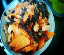 【木耳胡萝卜炒肉】木耳胡萝卜炒肉的做法_木耳胡萝卜炒肉的食用禁忌