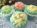纸杯蛋糕裱花的做法