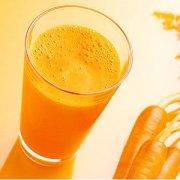 【胡萝卜汁可以祛斑吗】胡萝卜汁要煮熟吗_胡萝卜汁的功效