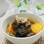 胡萝卜菜干猪骨汤的做法