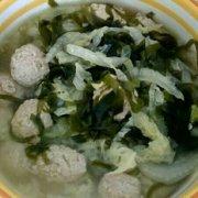白菜海带丸子汤的做法