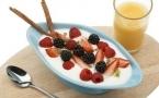牛奶不能和什么水果一起吃