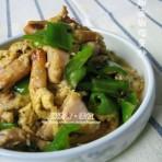 蛤蜊青椒鸡蛋炒的做法