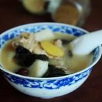 淮山木耳汤的做法