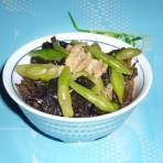 四季豆木耳炒五花肉的做法