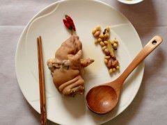 花生黄豆猪蹄汤的做法