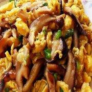 【香菇炒鸡蛋】香菇炒鸡蛋的做法_木耳香菇炒鸡蛋