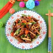 年夜饭系列之腊味——辣炒熏香腊肠的做法