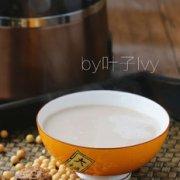 补肾益脑核桃燕麦豆浆的做法