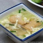 韭黄蛋花鱼腐汤的做法