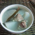 萝卜海带排骨汤的做法