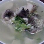 香芹鱼皮汤的做法