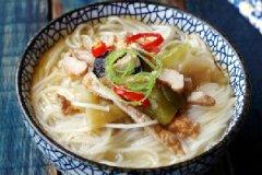 榨菜肉丝米线的家常做法