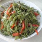 炒梅豆辣椒的做法