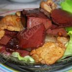 肉片炒血豆腐的做法