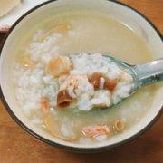 沙虫海鲜粥的做法